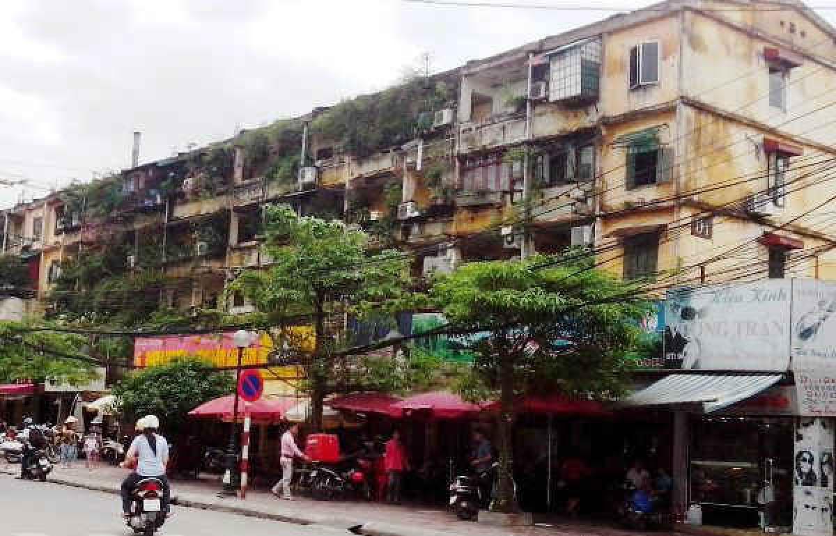 Phần lớn chung cư cũ ở Hà Nội đều đã hết niên hạn sử dụng. Ảnh minh họa: Báo TN&MT