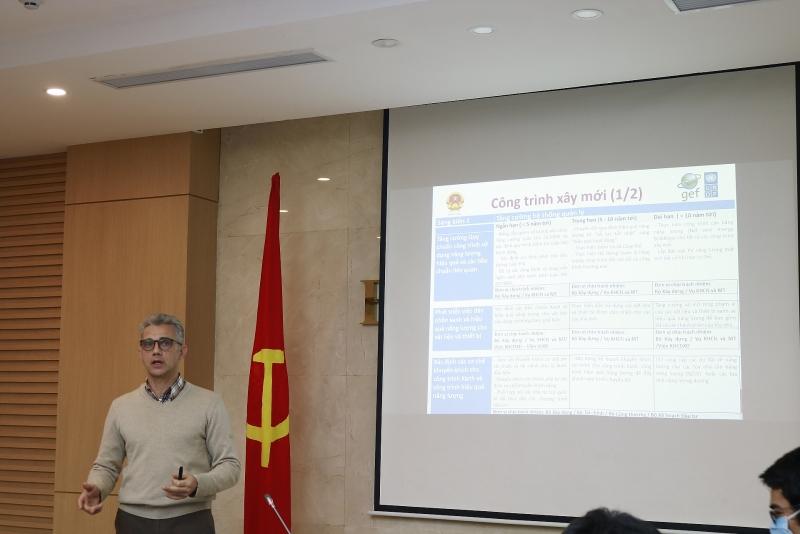 Ông Yannick Millet – Cố vấn kỹ thuật BQL Dự án EECB đề xuất chuyển giao kết quả dự án và định hướng tiếp theo để thúc đẩy tiết kiệm năng lượng trong công trình
