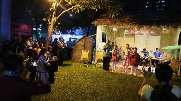 Không gian Đờn ca tài tử do Trung tâm Văn hóa TP.HCM tổ chức trong khuôn khổ Ngày hội văn hóa đọc trên địa bàn TP