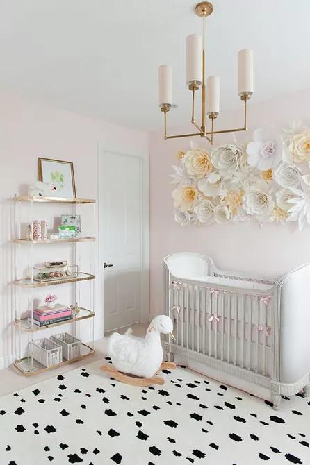 Một hiện thân sống động của sự duyên dáng và vẻ đẹp, thiên nga là họa tiết hoàn hảo cho phòng của một bé gái.