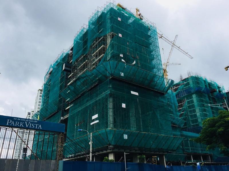 Một dự án ở huyện Nhà Bè, TP HCM chậm tiến độ trong thời gian dài khiến nhiều khách hàng bức xúc