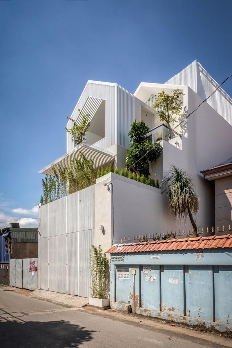 Dự án Villa City có diện tích 117 m², là tổ ấm của gia đình gồm hai vợ chồng và hai người con trai