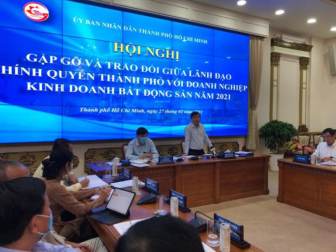 Chủ tịch UBND TP HCM Nguyễn Thành Phong phát biểu tại hội nghịẢnh: HOÀNG TRIỀU