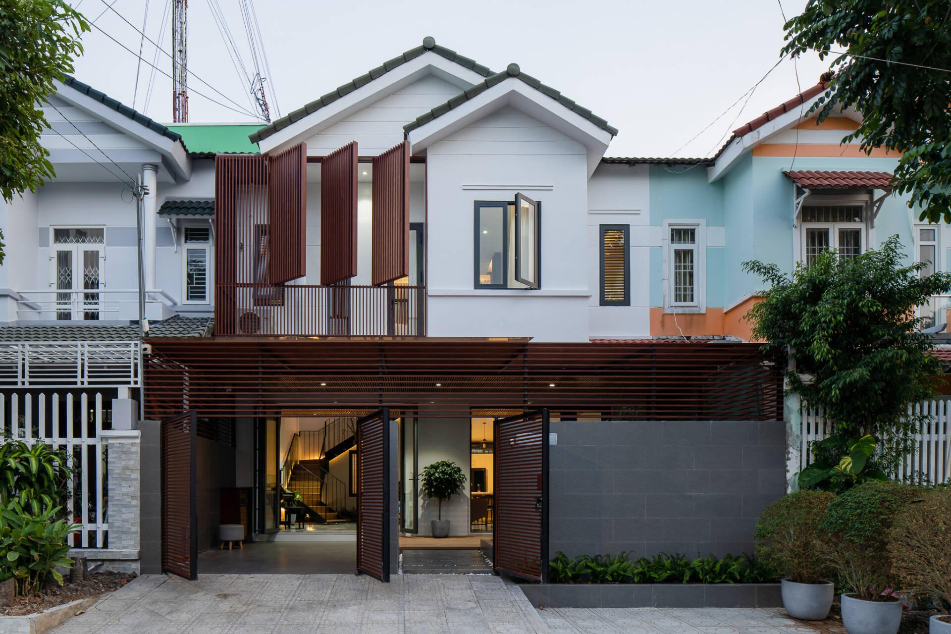 KG House vừa có nét chung vừa có nét riêng biệt, khác lạ so với những ngôi nhà xung quanh