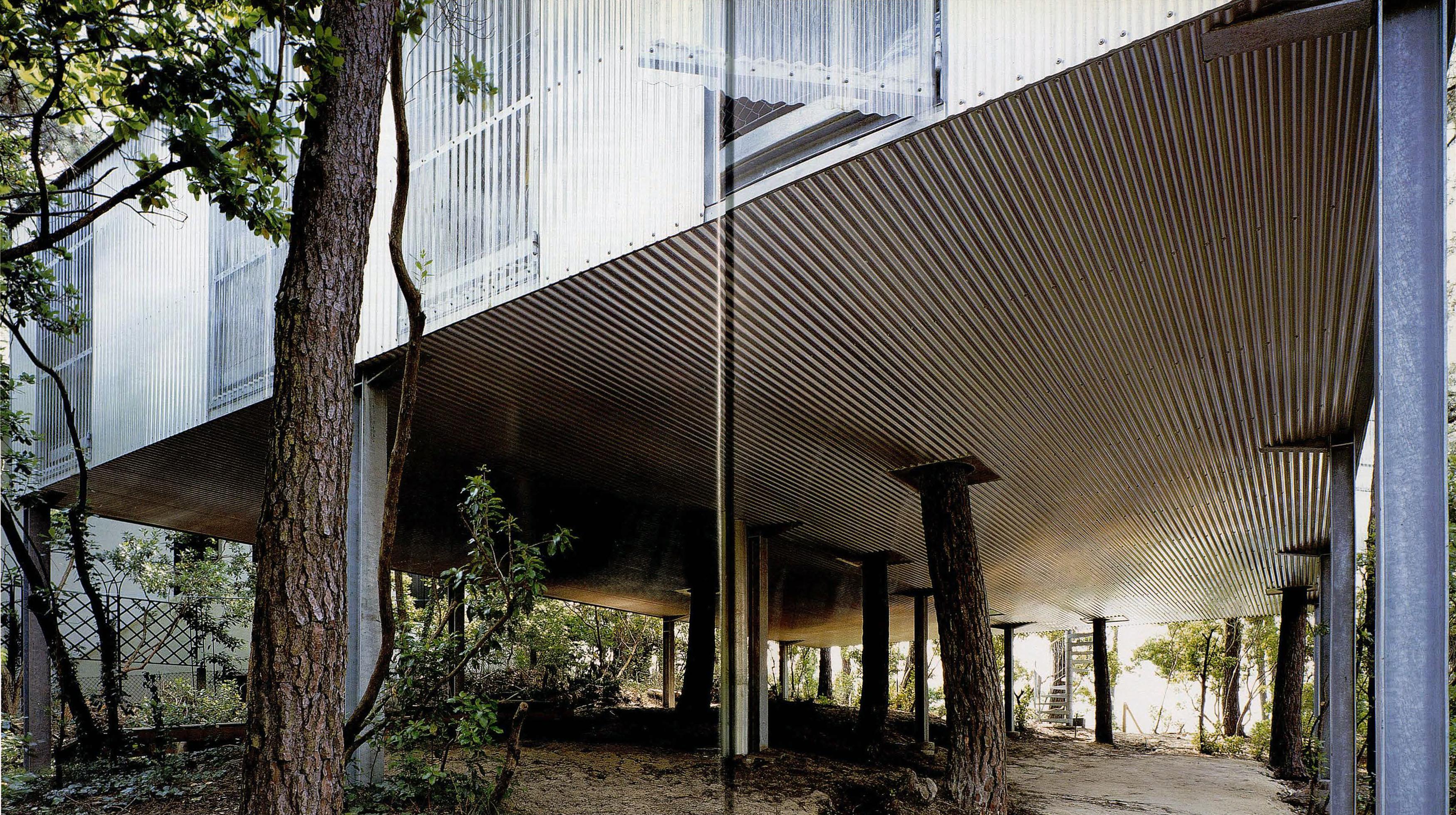 ATLAS-OF-PLACES-LACATON-VASSAL-CAP-FERRET-HOUSE-IMG-16