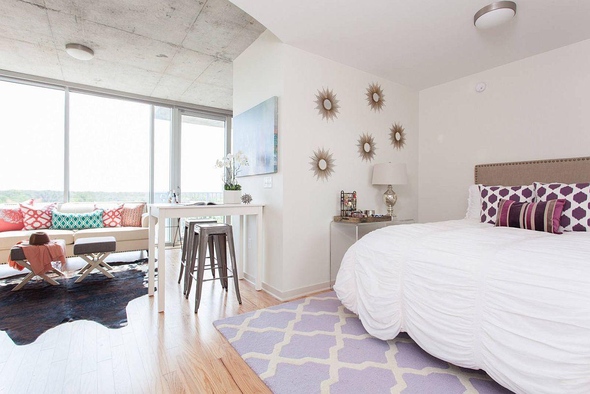 Không gian làm việc trong phòng ngủ trở thành một phần mở rộng của chủ đề và bảng màu tổng thể