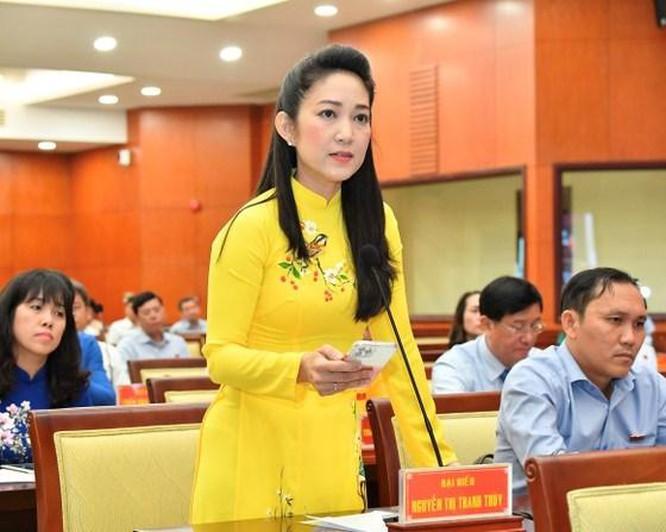 Đại biểu Nguyễn Thị Thanh Thúy phát biểu tại kỳ họp. Ảnh: Việt Dũng