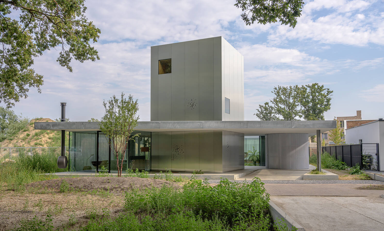 Villa Fifty - Fifty có thiết kế vô cùng ấn tượng ngay từ diện mạo bên ngoài