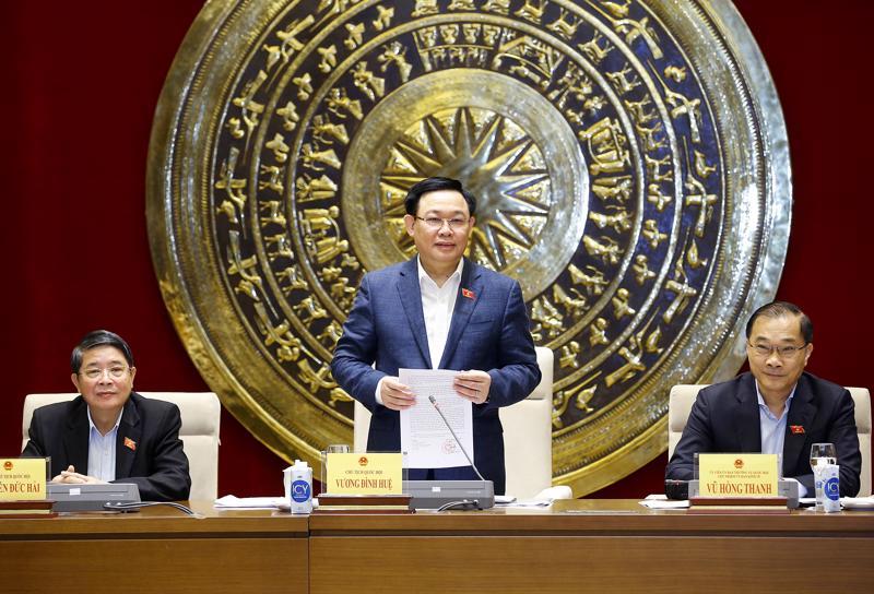 Chủ tịch Quốc hội Vương Đình Huệ tại buổi làm việc với Ủy ban Kinh tế của Quốc hội sáng ngày 28/4 - Ảnh: Quochoi.vn