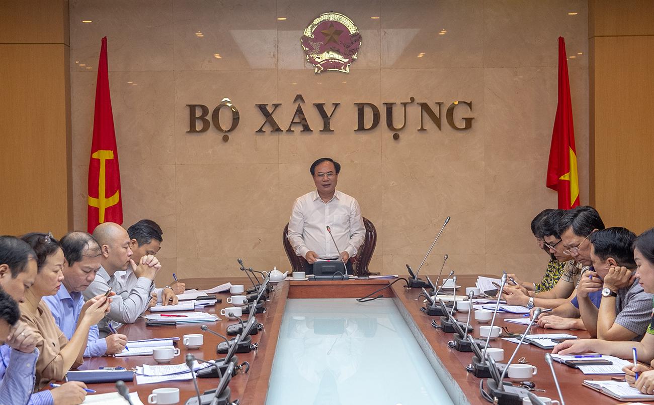 Thứ trưởng Nguyễn Văn Sinh phát biểu chỉ đạo tại cuộc họp