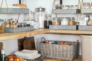 Tủ bếp thời trang giúp bạn giữ mọi thứ ngăn nắp