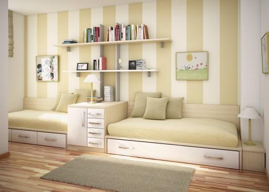 Căn phòng với bức tường nổi bật, giường màu trung tính có ngăn kéo, tủ ngăn các giường và một số kệ trang trí đẹp mắt