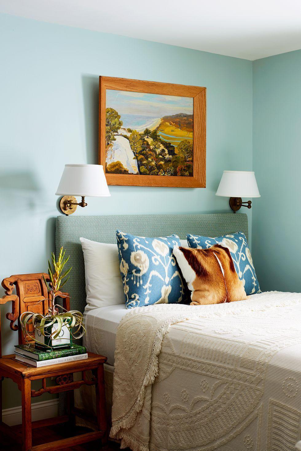 Không thể chọn màu xanh lá cây và xanh da trời cho phòng ngủ của bạn? Căn phòng này mang lại giải pháp kết hợp hoàn hảo.