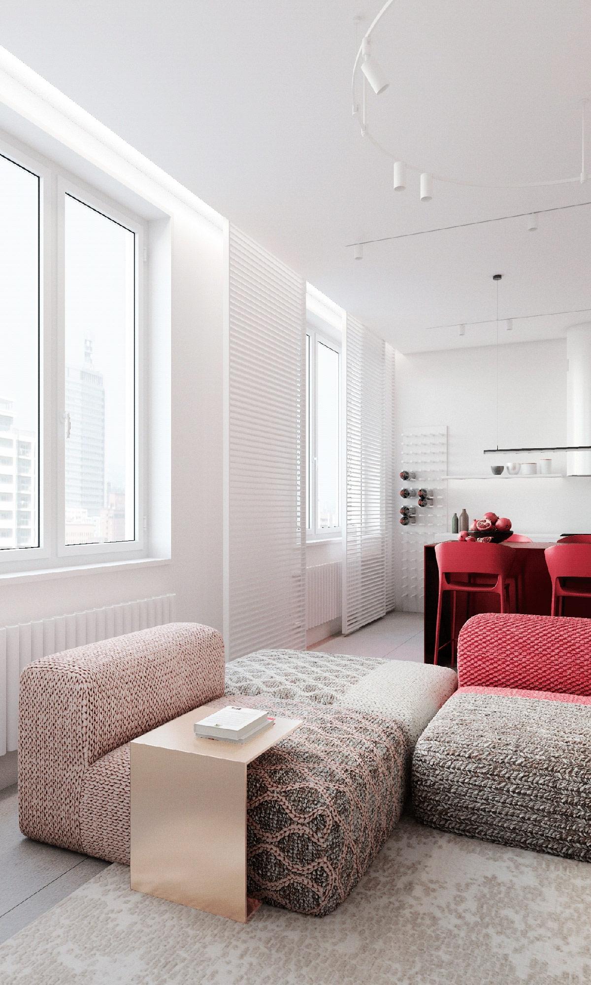 Ngôi nhà của một người phụ nữ ở Moscow, Nga chọn điểm nhấn màu đỏ ở bộ sofa sang trọng. Màu đỏ mạnh mẽ ở phần tựa lưng sau đó điểm xuyết ở phần vải bọc.
