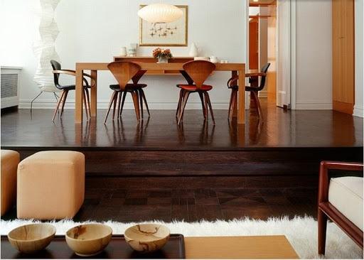 Nội thất gỗ màu sẫm thống trị nhiều năm qua. Tuy nhiên, đồ gỗ sáng màu sẽ dần được ưa chuộng hơn trong năm 2021 bởi màu sắc sáng sủa giúp cho gia chủ có tâm trạng nhẹ nhàng, dễ chịu hơn.