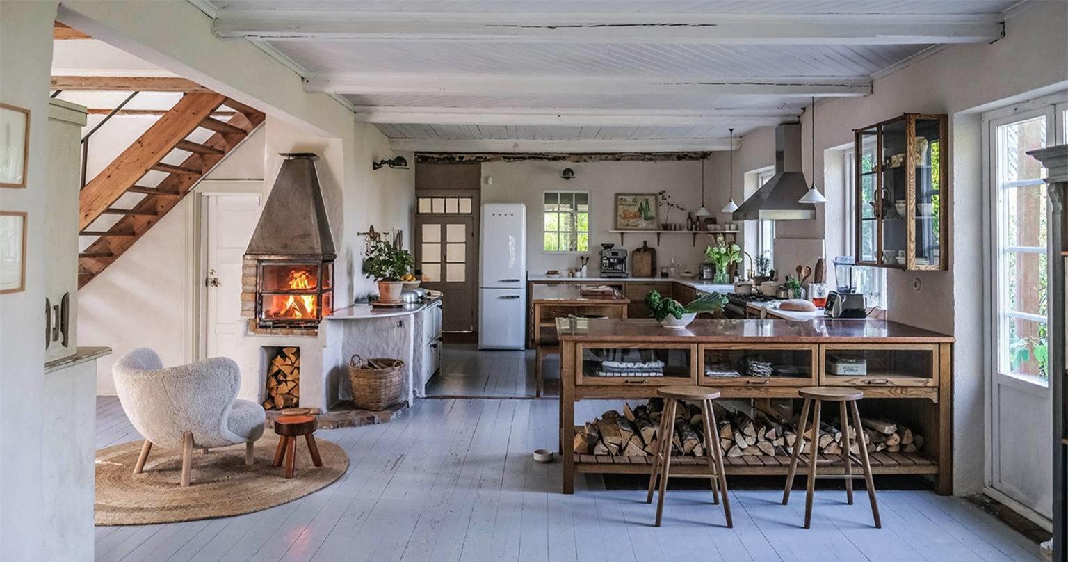 Vẻ đẹp của không gian nấu nướng luôn tạo nên điều tuyệt vời dành cho những người sống trong nhà. Căn bếp không chỉ được sắp xếp ngăn nắp, gọn gàng mà còn mang nhiều ánh sáng, sinh khí vào bên trong. Không gian với những sắc màu mộc mạc luôn tạo vẻ đẹp gần gũi, thêm nét cổ điển vượt thời gian cho căn bếp nhỏ.