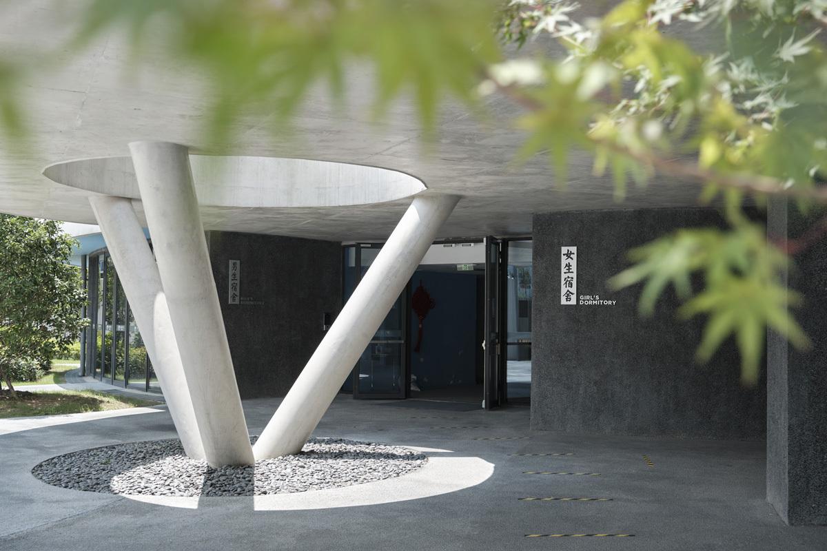 15_Helical_Dormitory_Entrance_Jonathan_Leijonhufvud