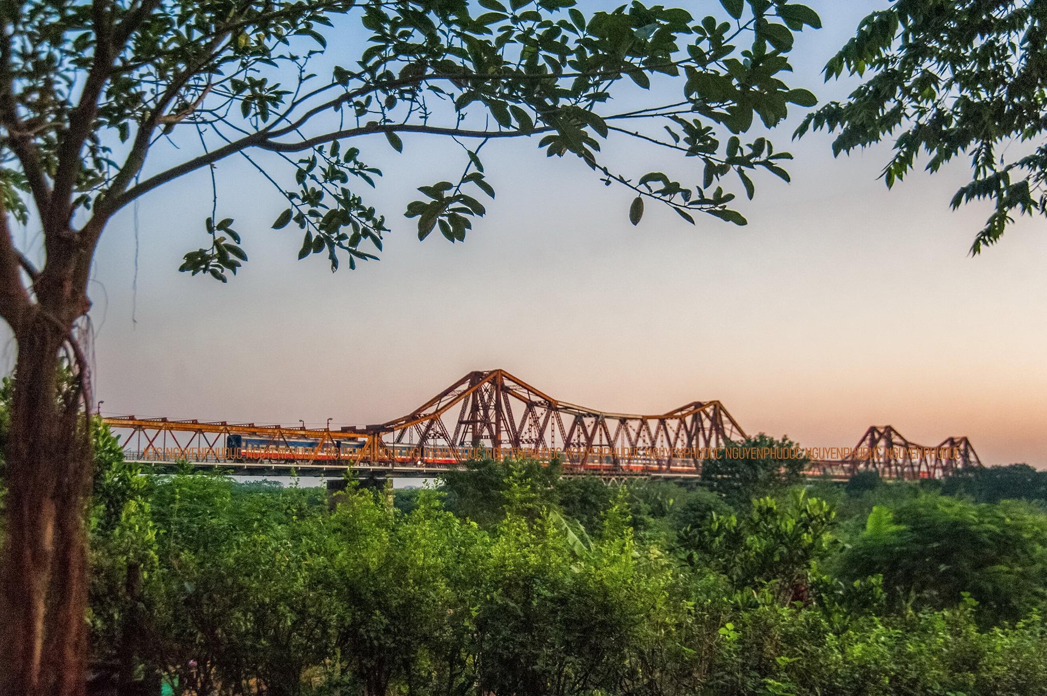 Bãi giữa sông Hồng với phù sa màu mỡ