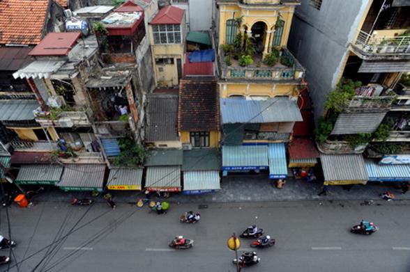 Tại đô thị cổ VIệt Nam, mái ngói đang thay bằng mái tôn. Tình trạng này liệu có tiếp diễn?