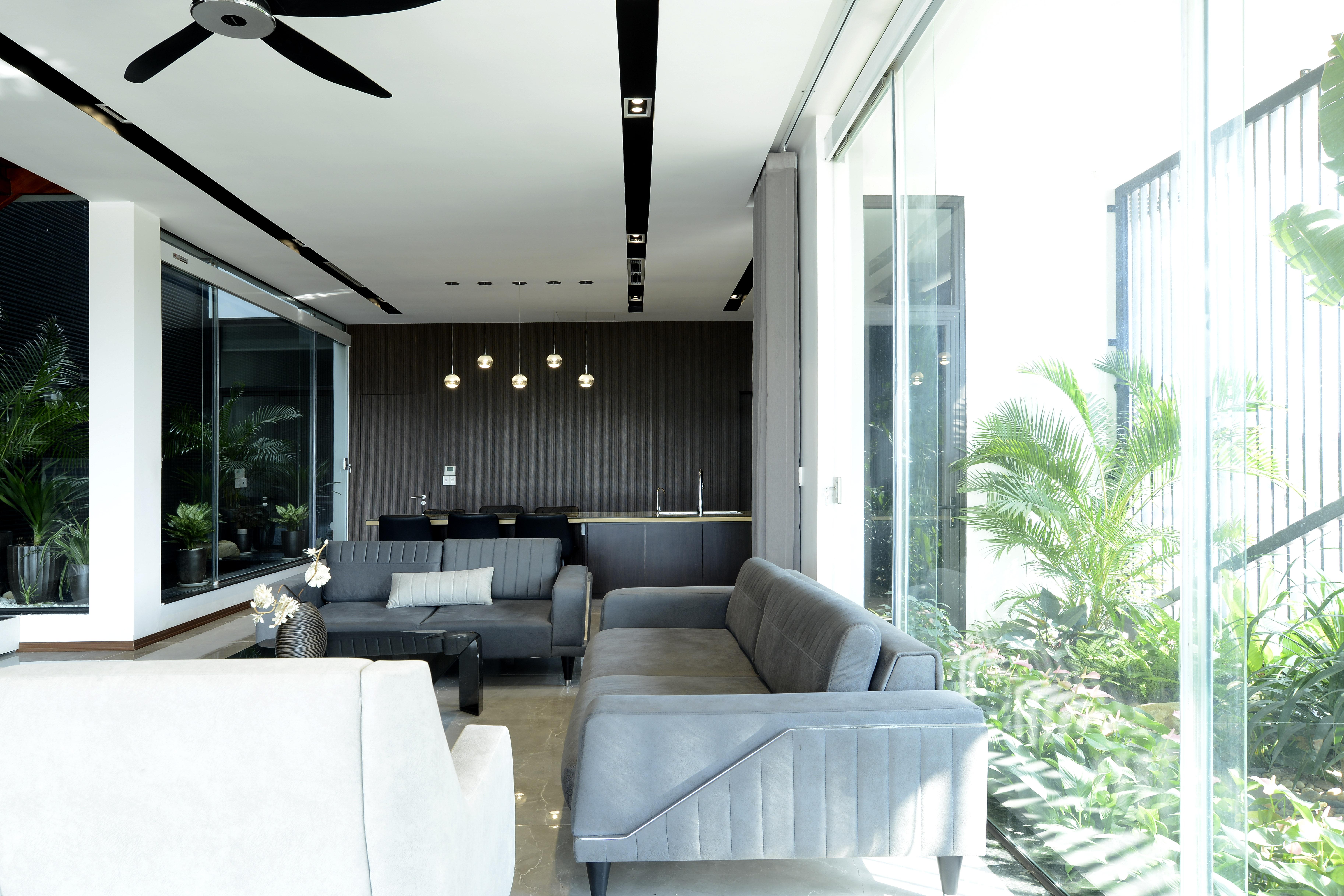 Phòng khách chan hòa với ánh sáng tự nhiên