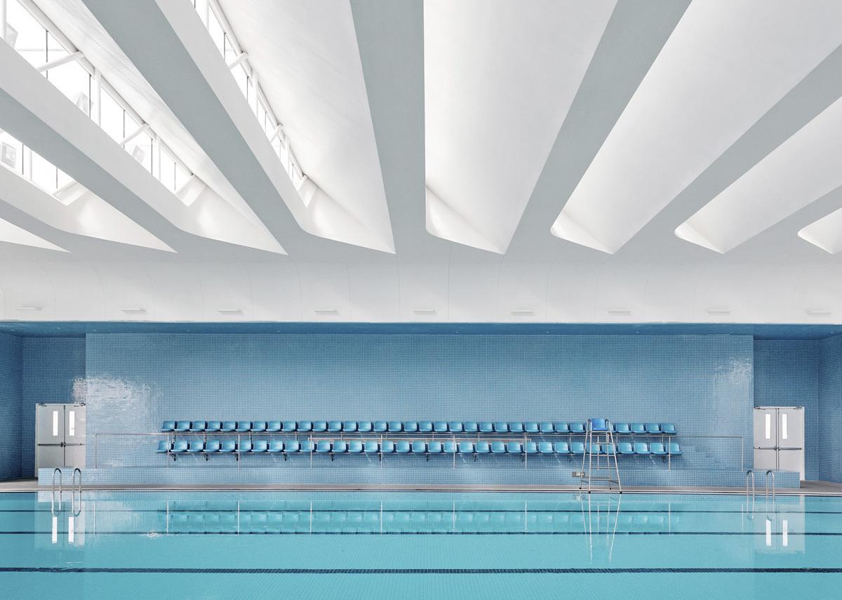 2_Gym_Canteen_Swimming_Pool_Credit_Jonathan_Leijonhufvud_(2)