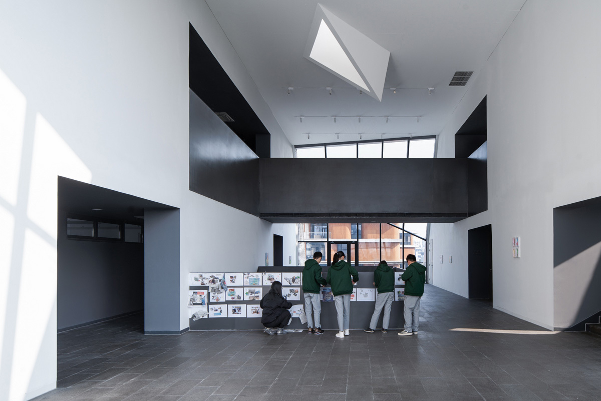 3_Arts_Center_Atrium_Credit_WU_Qingshan_(2)