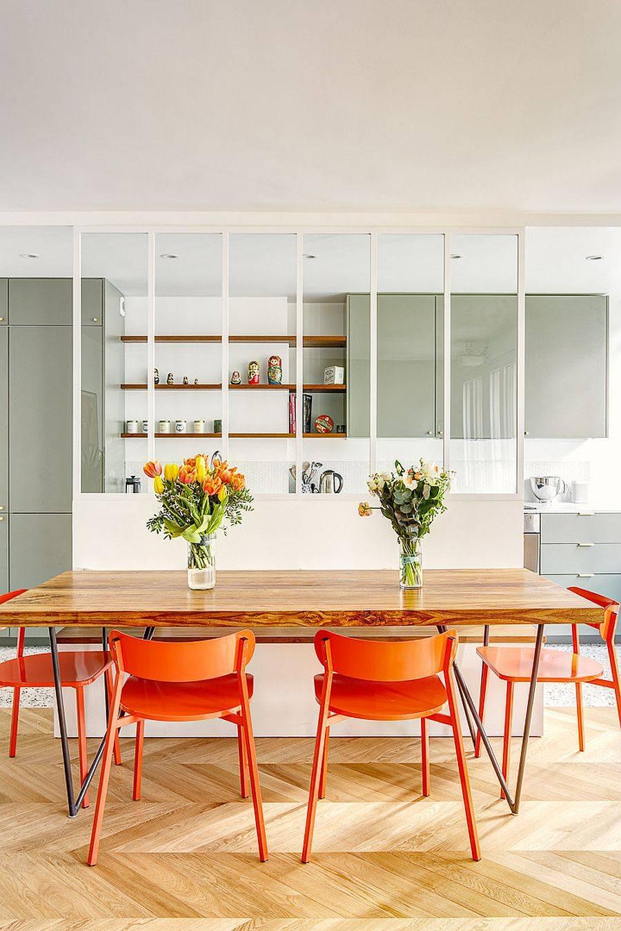 Vách ngăn sáng tạo giữa khu vực ăn uống và nhà bếp phân định không gian