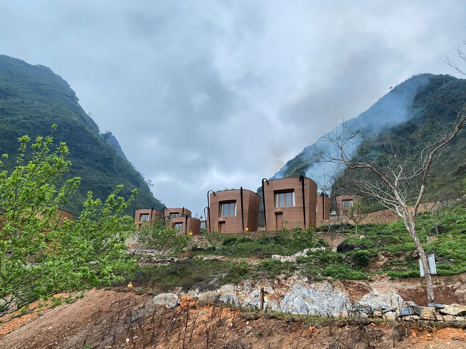 Hình ảnh Khu nghỉ dưỡng ở H' Mông Village Resort mô phỏng những chiếc gùi