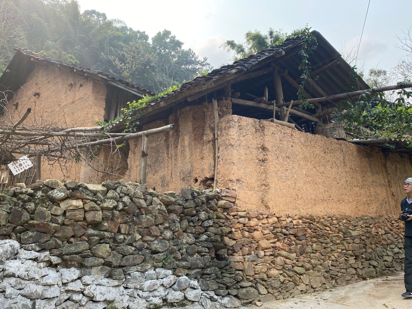 Những nhà cổ trong làng Thiên Hương ở Đồng Văn
