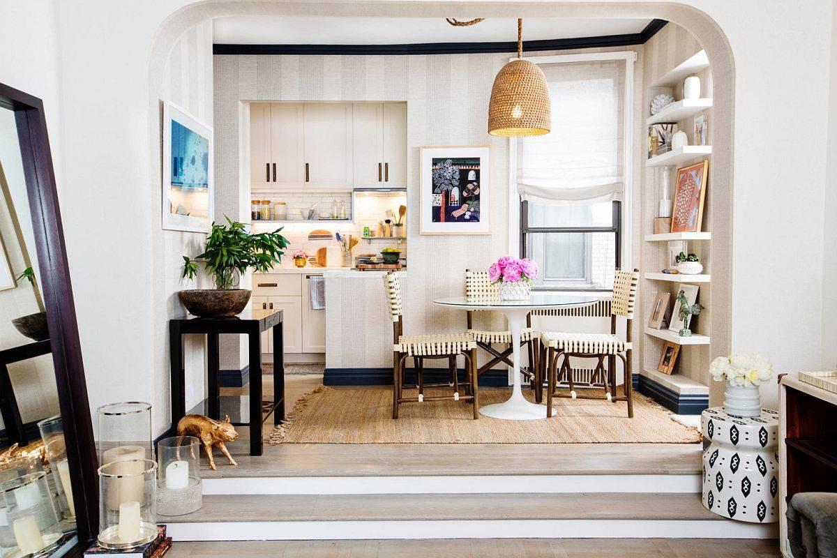Không gian ăn uống nhỏ nằm gọn giữa bếp và phòng khách