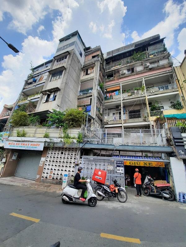 Chung cư cũ số 9 Cao Bá Nhạ, quận 1, TP Hồ Chí Minh.
