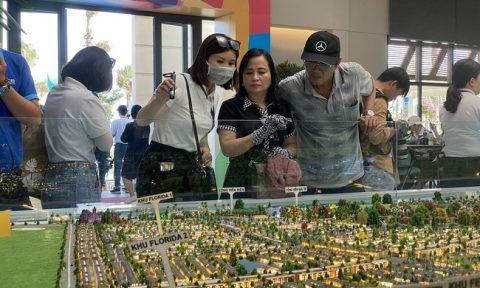 Bức tranh bất động sản trái chiều giữa Hà Nội và TPHCM